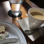 カフェ アンジー - コーヒーはエスプレッソに近いものかな。