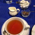 レストラン ストックホルム - 食後のお茶と珈琲豆ローストチョコ