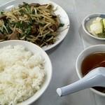 中華料理紅蘭 - 料理写真:ニラレバ炒め定食 650円