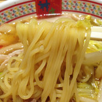 どうとんぼり神座 心斎橋店 - 鶏がらベースの醤油味スープなのですが、どことなく和風を感じさせる味で、                             日本人がほっとするスープではないかと思います。