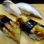 立ち喰い寿司 弁慶 - しめ鯖、コハダ、鰻、穴子