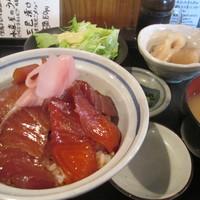 丸一伊澤水産-昼の三色漬け丼set 650円