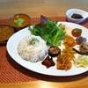 デチビカ - 料理写真:マイルドチキンとアボカドカレーのハーフ&ハーフセット ¥1050