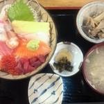 あび子 - ちらし丼(980円)