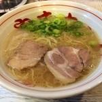 24304836 - 福岡ではこの1杯を食べなきゃ!