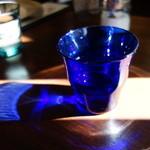ヒヨリ+キッサ - お冷やのグラスがきれい