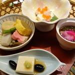 24310715 - 黒豚汁しゃぶと握り寿司らんちの花篭盛り