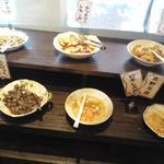 豆乃畑 - バイキング方式で好きな物を取って食べる