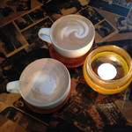 ルーズカフェ - アーモンドラテとヘーゼルナッツラテ