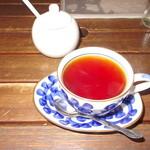 ハンキーパンキー食堂 - ストレート紅茶