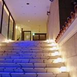 Pizzeria347 - 階段を上っていくとエントランスですw