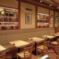 グーパスタ - 開放感のある落ち着いた雰囲気の店内でごゆっくりお食事を楽しんで頂けます。