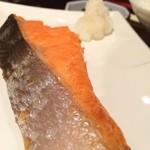 うみかぜ - 特選紅鮭の塩焼き定食 1000円
