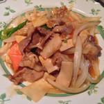 東華飯店 - 201310 Cランチ890円(豚肉ときのこの炒め物)