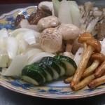 ホルモンえびす - 旬のお野菜が自慢
