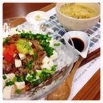 りせっとカフェ - ヘルシー豆腐丼&ポパイすぅぷ