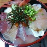 まつおか - 海鮮丼アップ
