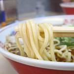 まるかいラーメン - うどんのような極太麺