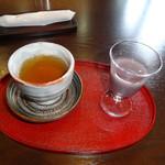 山田屋まんじゅう 茶楽 - ほうじ茶とお汁粉(サービス品)