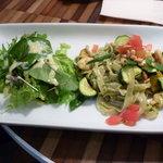 ナチュラルレストラン&デリ みどりえ - 有機野菜とエコシュリンプの生パスタジェノベーゼソース