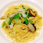 トラットリア ラ・スカルペッタ - 有機野菜とアンチョビのオイルパスタ
