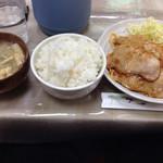 プティコック - 豚生姜焼き定食大盛り(800円+50円)。