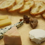 レストランラ・リューシュ - 空輸チーズの盛り合わせ