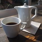 オンザディッシュ - COFFEE、カップとポット