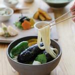 おおむろ軽食堂 - 新鮮素揚げ野菜がゴロゴロ。[素揚げうどん]