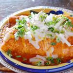エルパンチョ - エンチラーダス。コーントルティーヤで具を巻いて特製ソースとチーズで焼いてます。メキシコ料理の家庭料理☆ソースがいろいろ選べます!