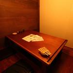 旬菜酒房 楽 - デートやファミリーで使用するのに最適な、4名までの個室