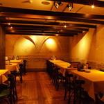 ナポリの下町食堂 - 最大40名様迄のPARTY ROOMは喧騒感が心地良い優雅な空間☆イタリアの路地裏に出現したしっとりしつつも陽気なお店♪