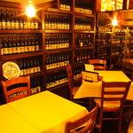 ナポリの下町食堂 - 歴史あるシャトーのワインセラーのような趣ある空間が魅力!豊富なワインからお好きな一本を探してみて♪