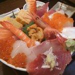 磯茶屋 うおたか - 海鮮丼(1980円)