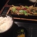ぶあいそ - 味噌汁が…ない(´・_・`)