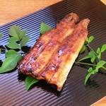 うな瀬 - 料理写真:国産の鰻の蒲焼半身