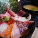 まるさ水産 - 海鮮丼1000円