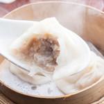 杏梨 チャイニーズキッチン - 料理写真:上海伝統の小籠包 黒醋とk黒醋と生姜のソースでお召し上がりください