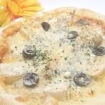 アパッチ - 4種チーズのピザはがっつりチーズのっけちゃいます