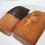焼きたて焼き菓子工房kabaco - 焼き立てフィナンシェ(プレーン130円、チョコ付き150円)