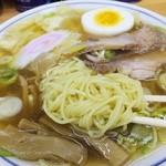 中華そば 富士屋 - 麺アップ