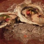 24377322 - 港町バル・牡蠣の低温蒸し(冷製)
