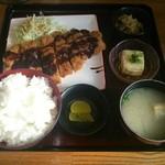24377885 - 「チキンカツ定食」(680円)