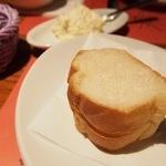 iL-CHIANTI OVEST - パン(ホイップバターでした)