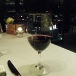 24379155 - 赤ワインと夜景。