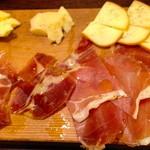 24379980 - 生ハムとチーズの5種合い盛り