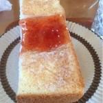 シェルター - 料理写真:モーニングのトースト