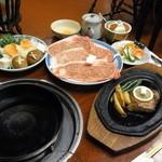 かめや - 松阪牛のステーキとすき焼き