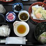 菩提樹 - 料理写真:バスツアーの昼食