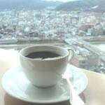 24388182 - 東山の景色を望みながらのモーニング珈琲